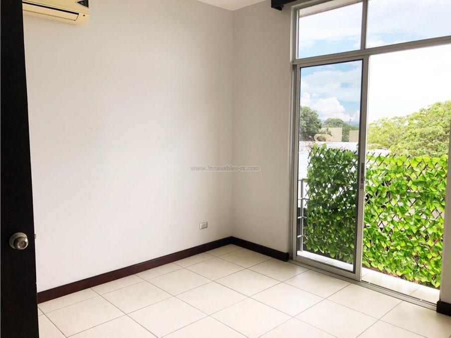 apartamento moderno y reciente