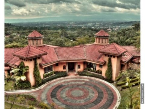 gran propiedad con vista espectacular