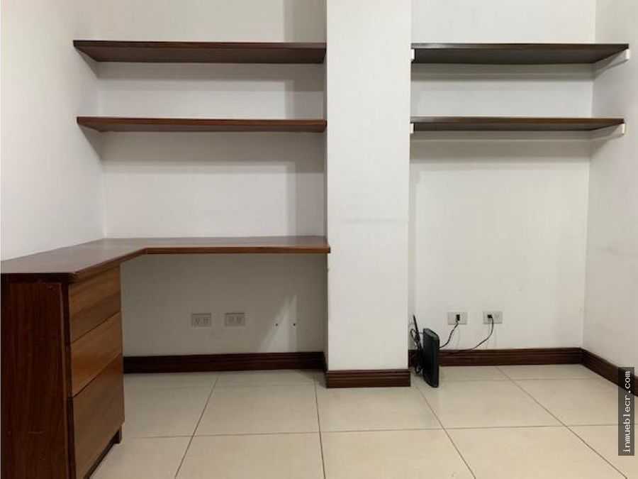 apartamento en condominio en santa ana