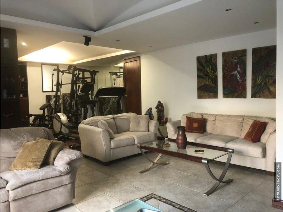 hermosa casa independiente en venta en mercedes norte