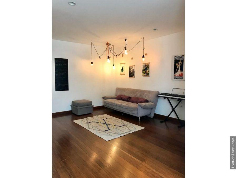 casa de 3 niveles estilo moderno