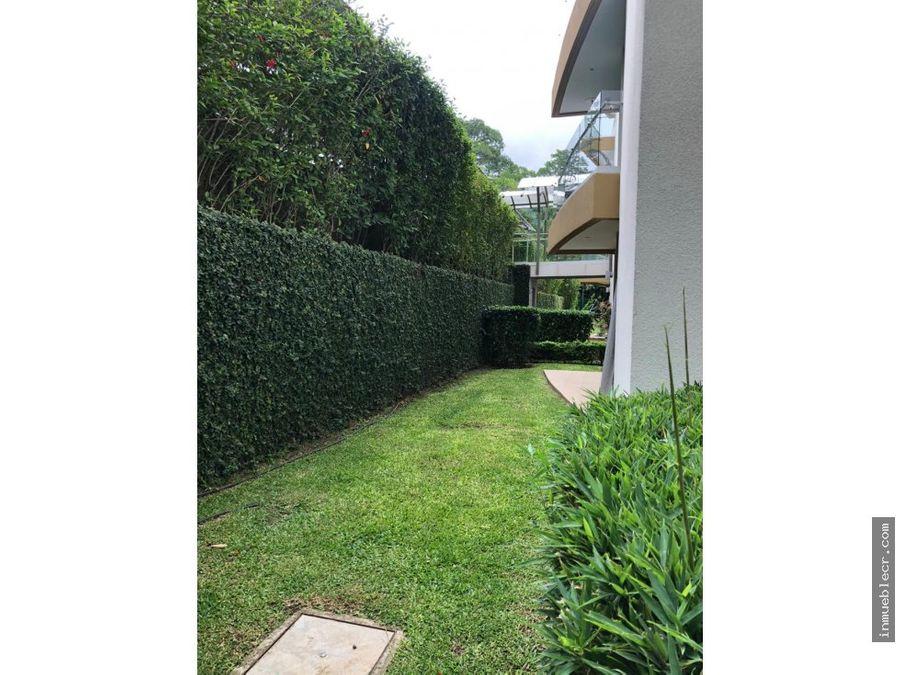 bosques de escazu solo linea blanca con jardin