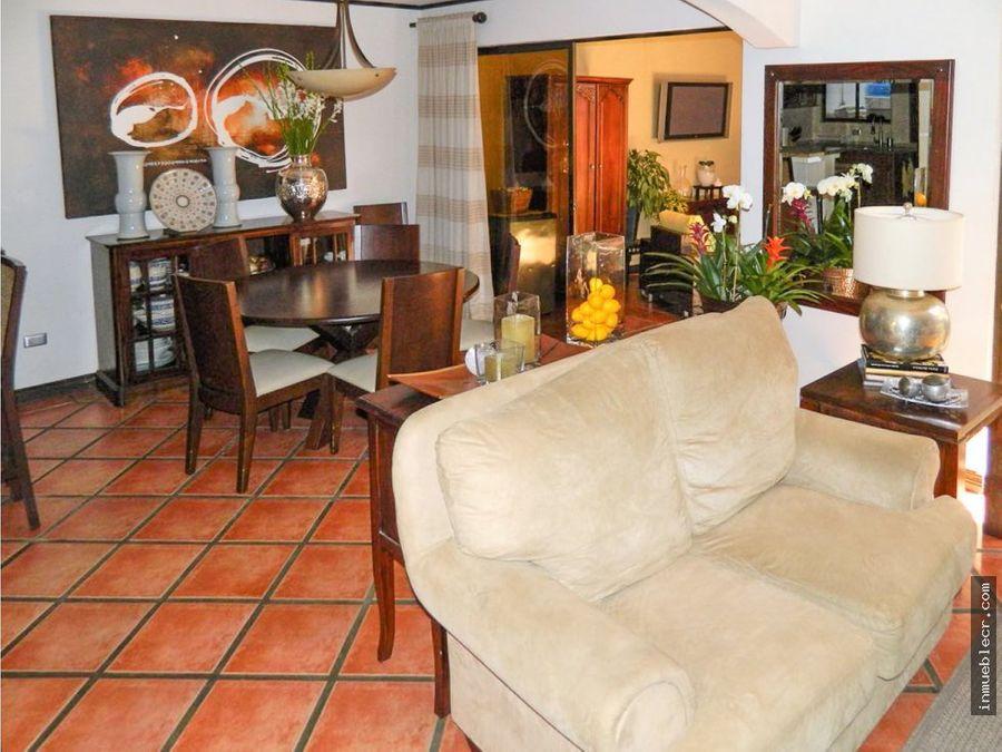 acogedora casa en guachipelin sin muebles