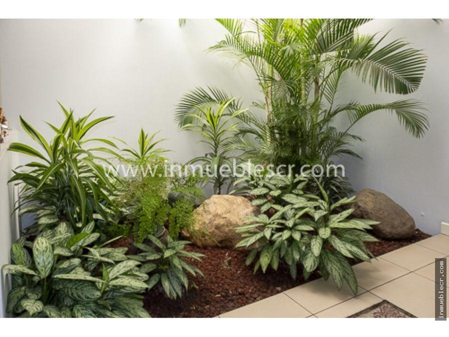 casa de una planta con uso de suelo mixto