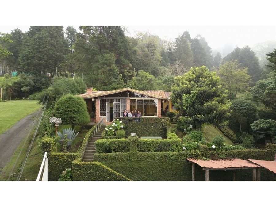 casa con amplio terreno