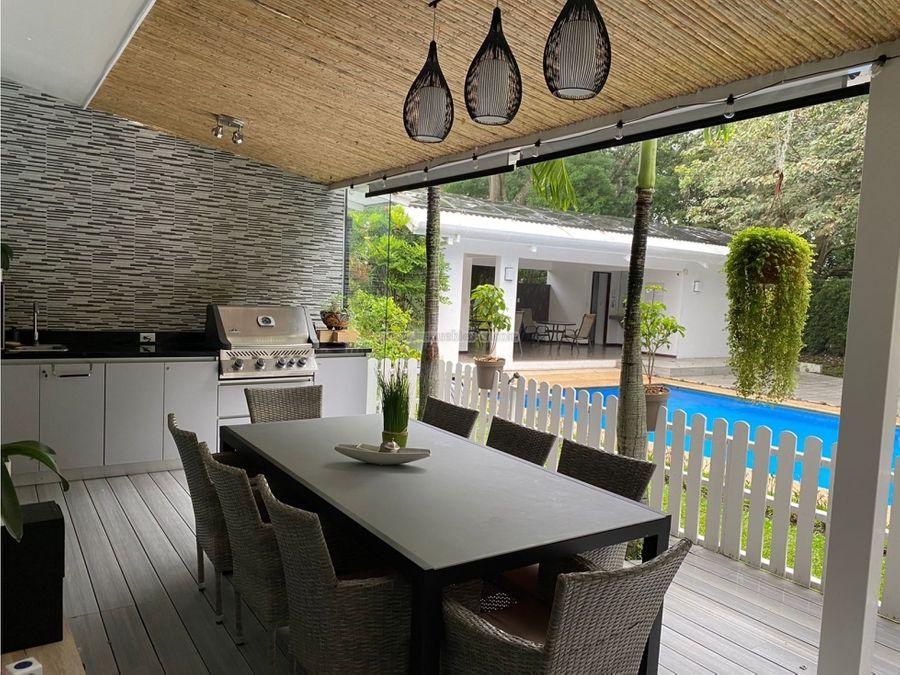espectacular casa en san ana