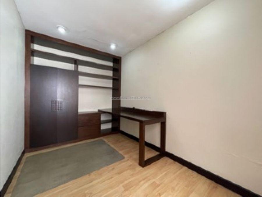 apartamento cerca de distrito