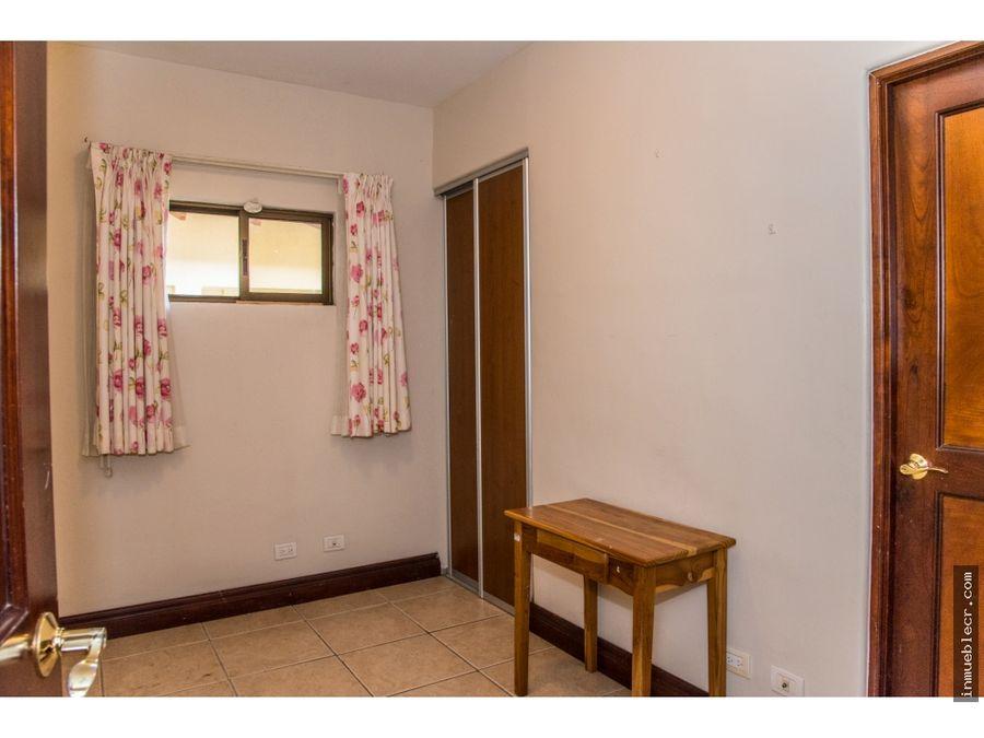 casa en condominio en piedades de santa ana
