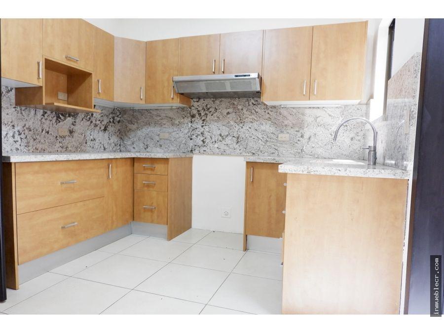 comoda casa en ciudad colon para ventaalquiler en condominio