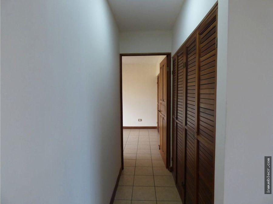 casa amplia con linea blanca