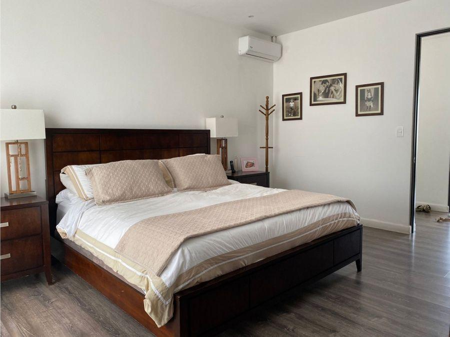 bella casa contemporanea en venta pozos santa ana
