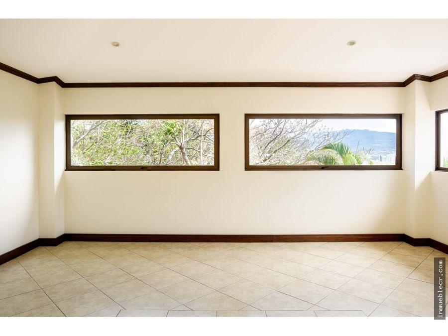 espacioso apartamento con vista espectacular