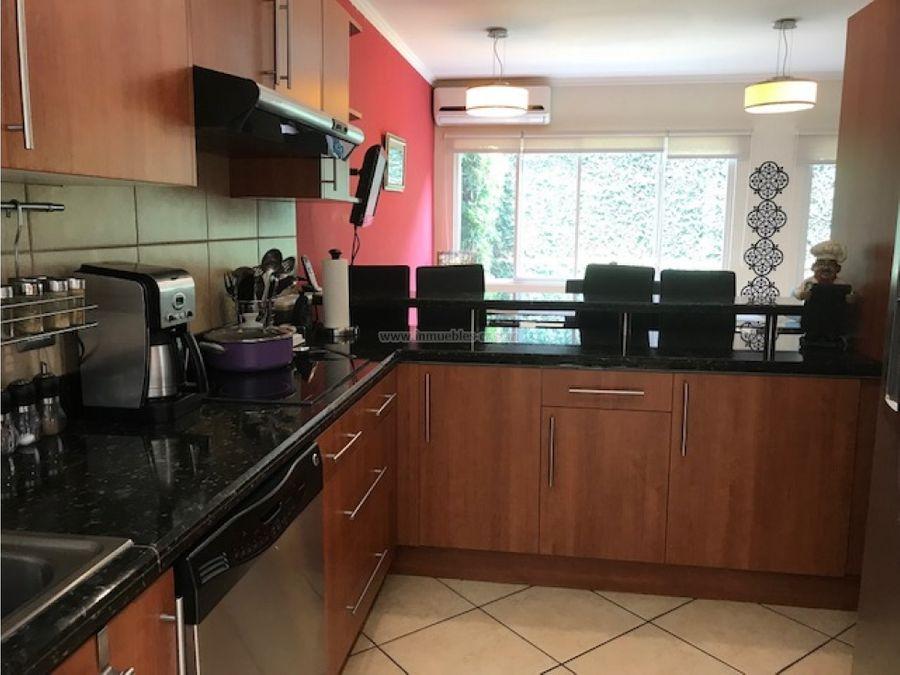 hermosa y comoda casa en venta en guachipelin de escazu