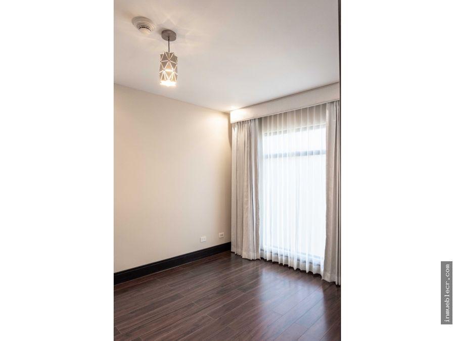 apartamento en condominio con linea blanca
