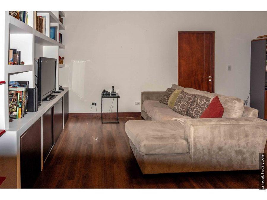 preciosa casa en exclusivo condominio