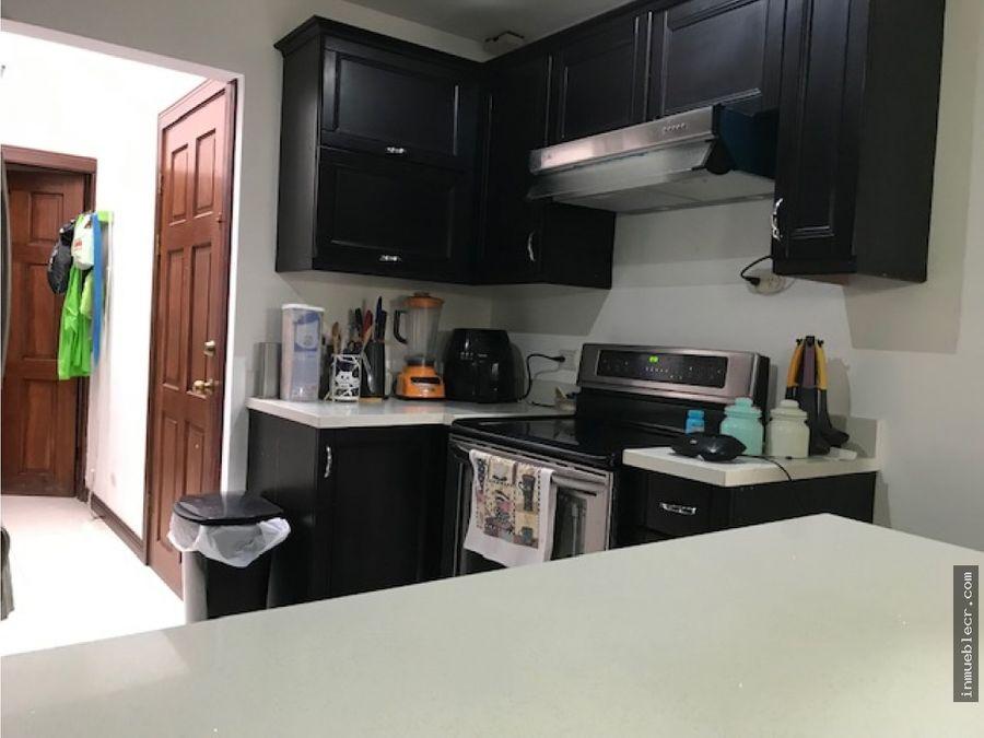 alquiler de comoda casa semi amueblada