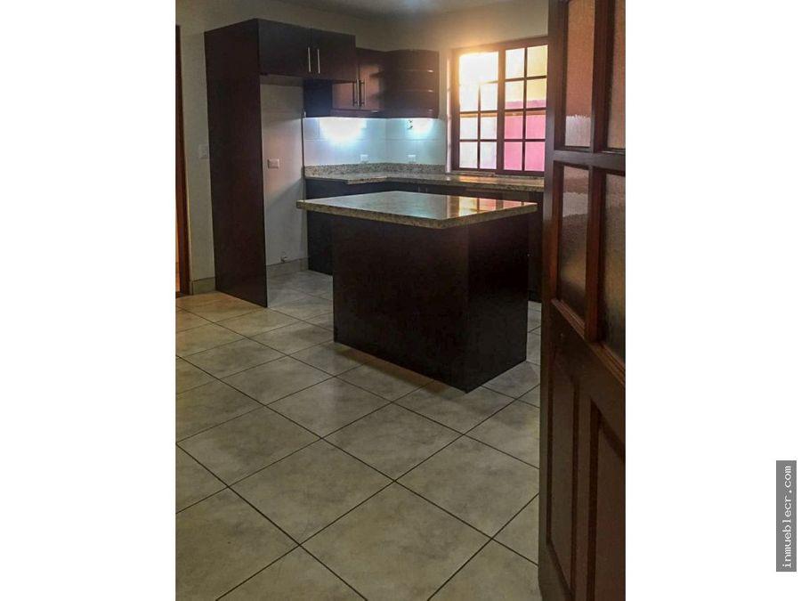 casa en exclusivo condominio en jaboncillos
