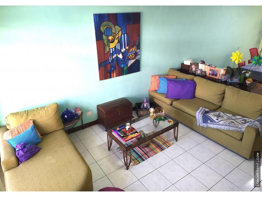 comoda casa en venta con excelente ubicacion