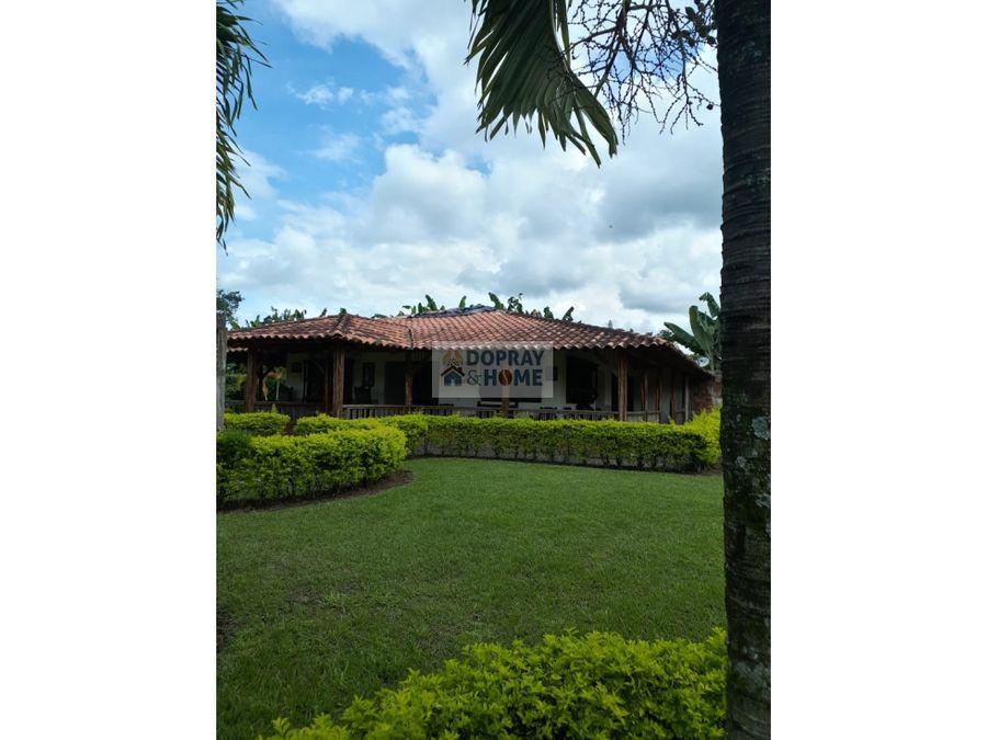 se vende finca para turismo cerca al parque del cafe