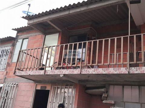 se vende casa en barrio la plancha en circasia