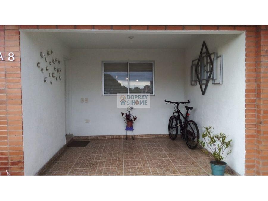se vende hermosa casa en conjunto cerrado circasia