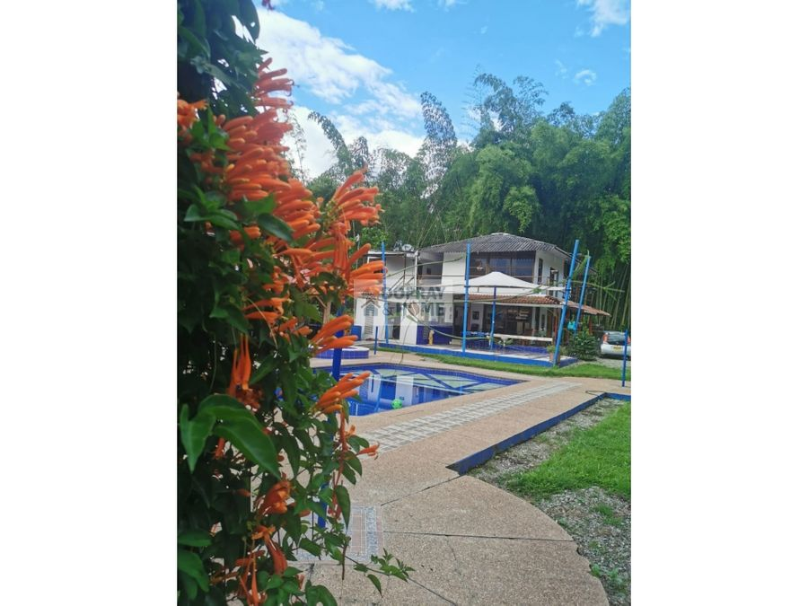 se vende hotel cerca a pueblo tapao