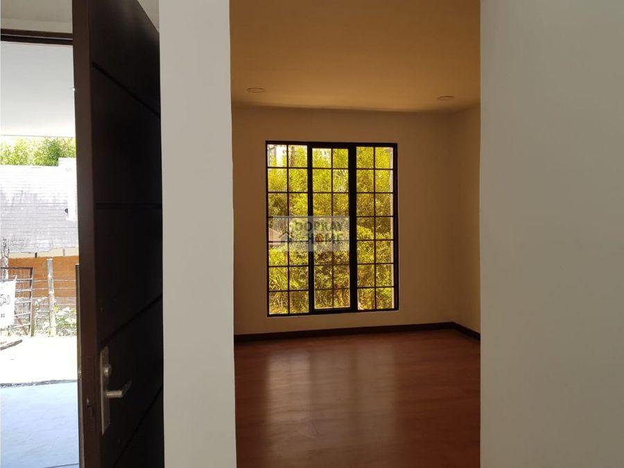 se vende casa en armenia por oro negro