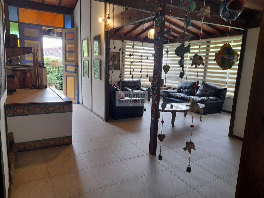 se vende espectacular casa campestre a 5 minutos de armenia