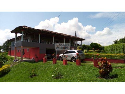 se vende espectacular casa campestre a 10 minutos de quimbaya