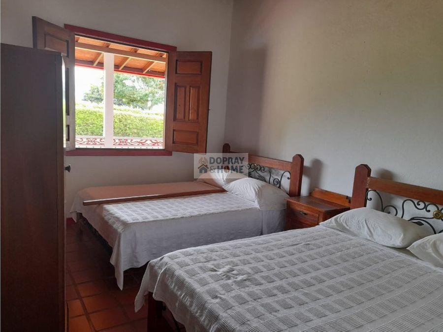 se vende hermosa casa campestre en montenegro