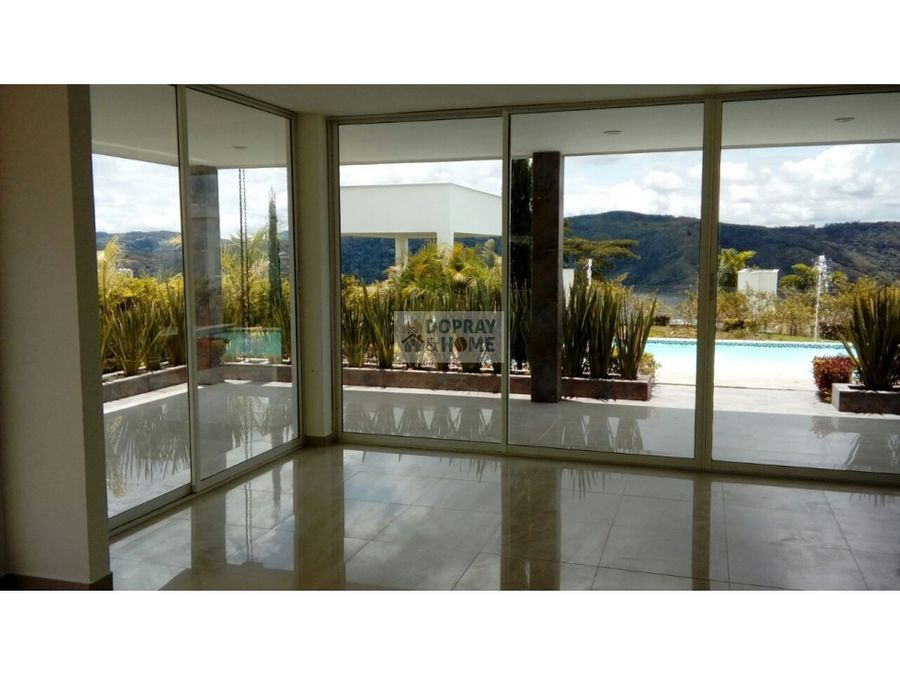 se vende casa campestre en valle del cauca en condominio cerrado
