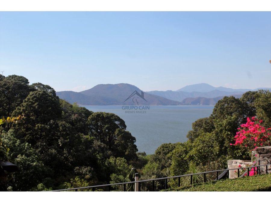 propiedad con excelente vista al lago avandaro