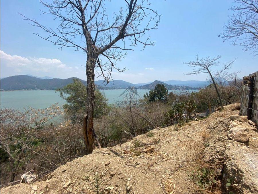 terreno en venta con excelente vista al lago