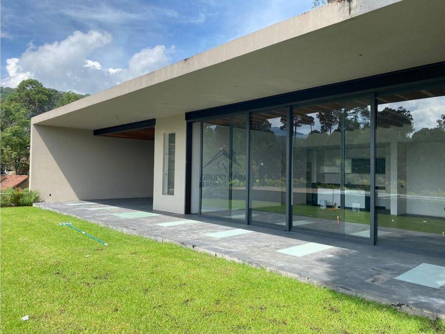 arquitectura moderna en excelente zona avandaro