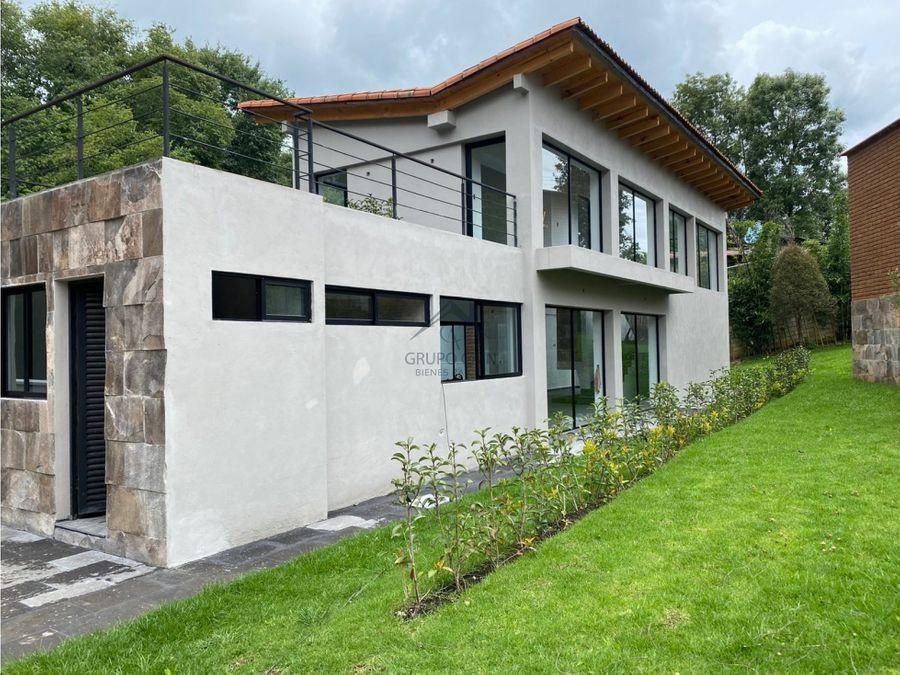 casa en renta ubicada en un entorno boscoso