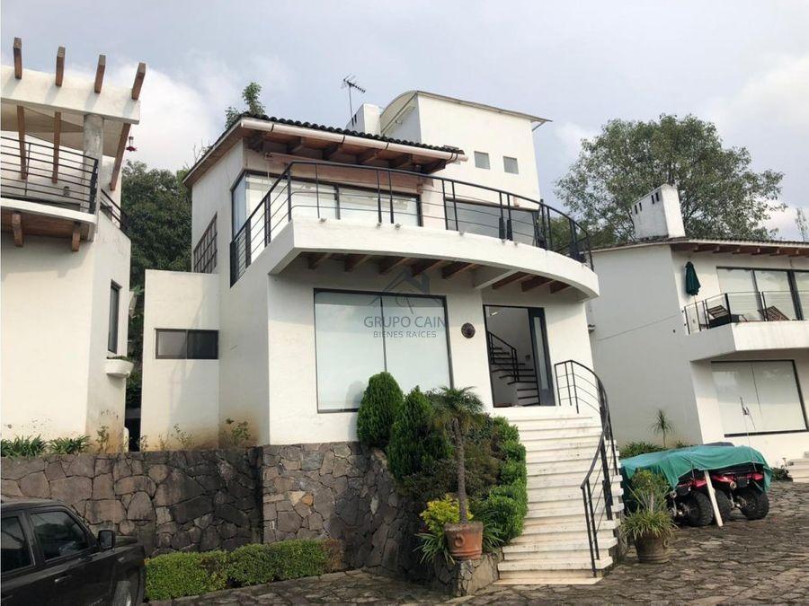 agradable casa en venta valle de bravo