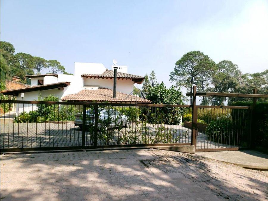 hermosa casa en venta en avandaro valle de bravo