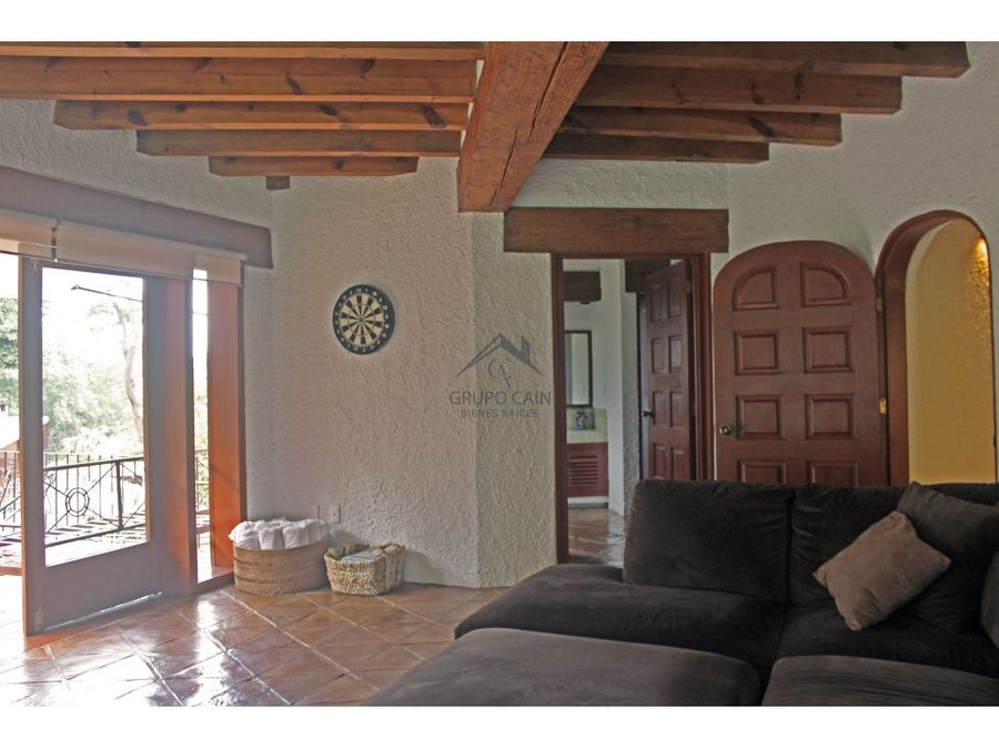 encantadora casa estilo vallesana ubicada en avandaro