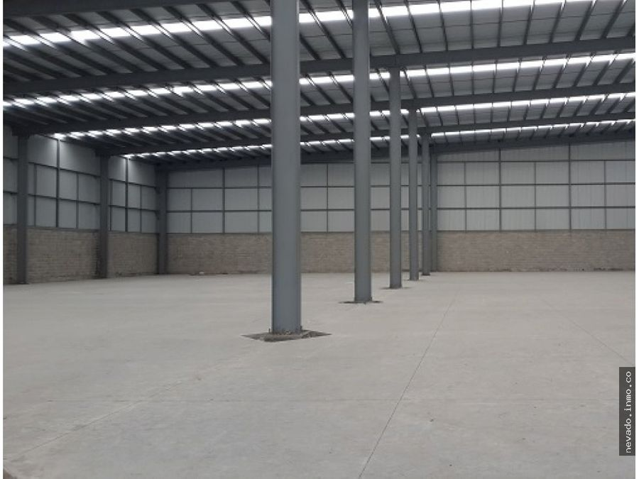 se renta bodega industrial en toluca de 2894 m2