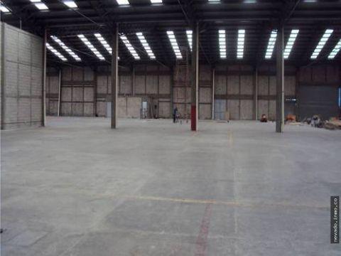 renta de bodega en toluca de 3360 m2