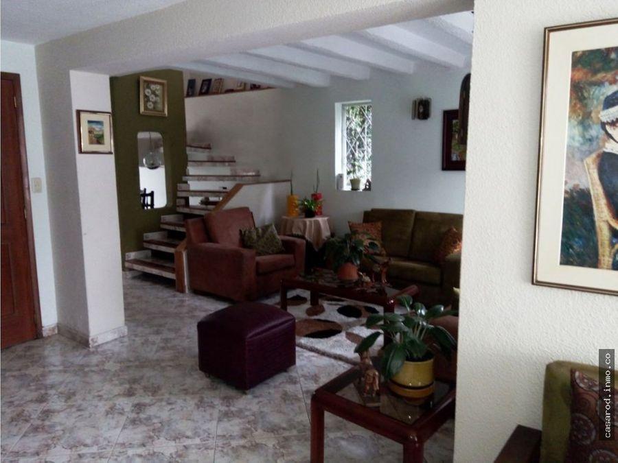 vendo casa esquinera remodelada barrio la guaca