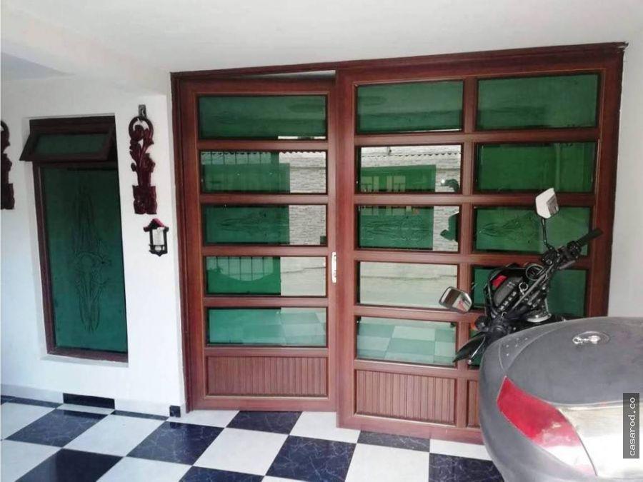 casa en santa marta de pastrana 1a de mayo con av villavicencio