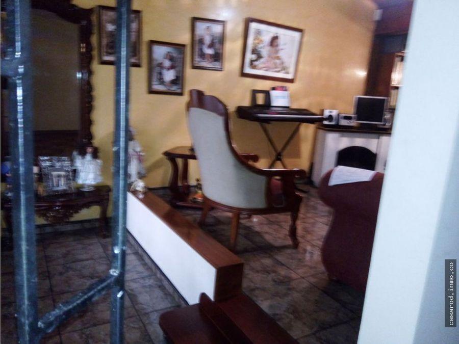 vendo casa en la guaca sauces con apartaestudio