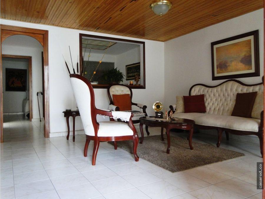 vendo casa en kennedy ayacucho 1er sector