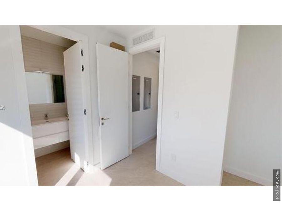 recien terminada casa de estilo moderno contemporaneo en miami