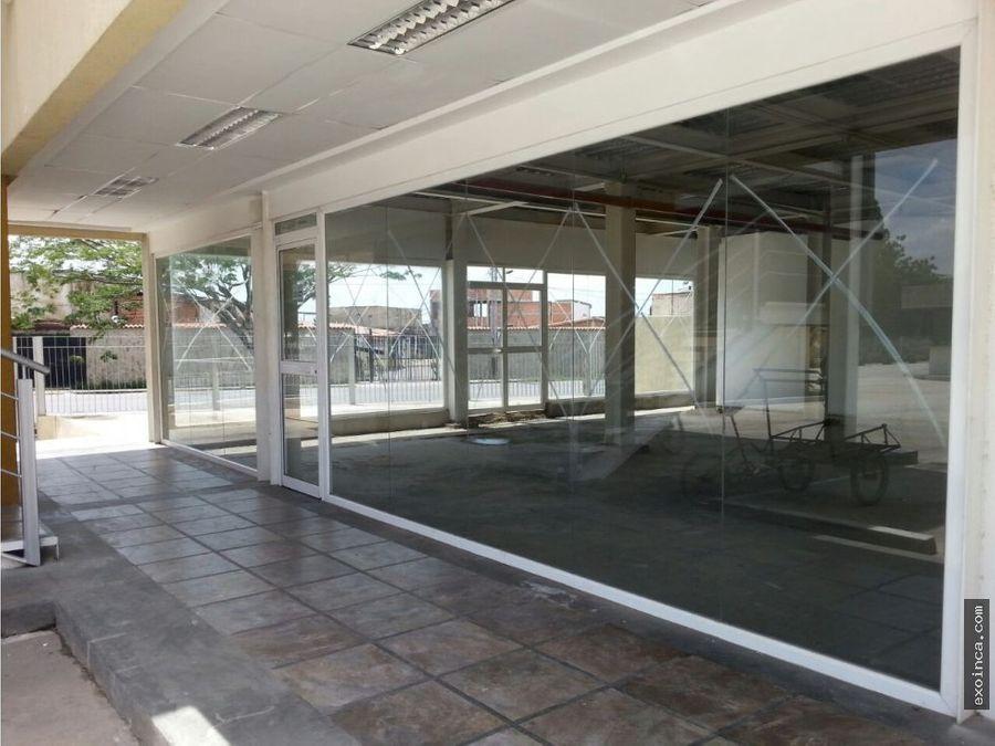 en venta local en planta baja de 99 mts2 con terraza en paraparal