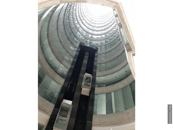 alquilo oficina en torre bod