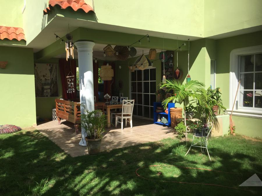 punta cana 3 hab casa con jardin en pueblo bavaro