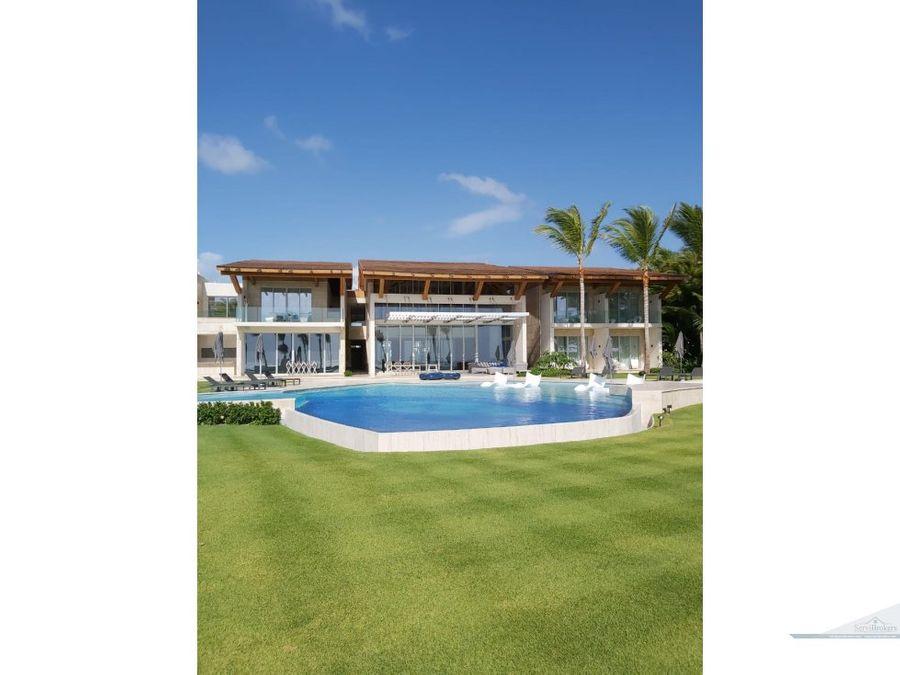 lujosa villa frente al mar