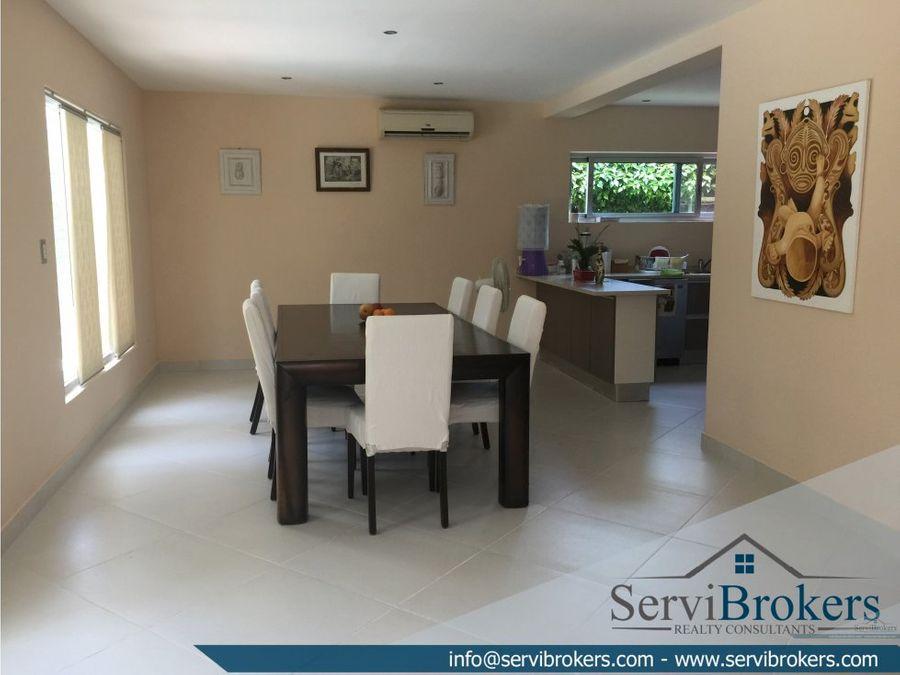 amplia villa en venta 4 habitaciones 5 banos